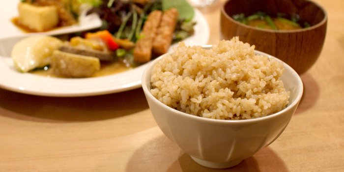 結局のところ「玄米」ってなにがいいの?管理栄養士が玄米の健康美容効果を解説