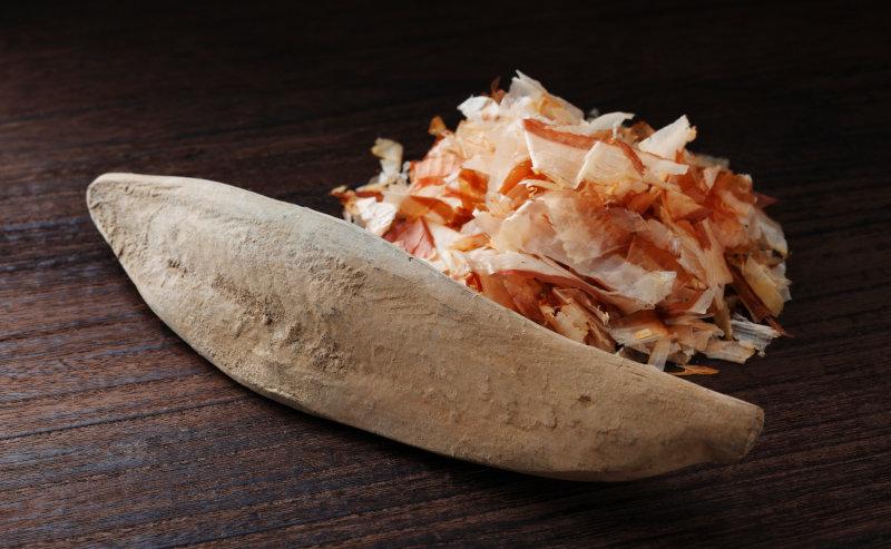日本人には馴染み深い燻製食材かつお節