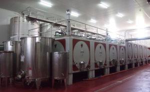 ワインの醸造タンク